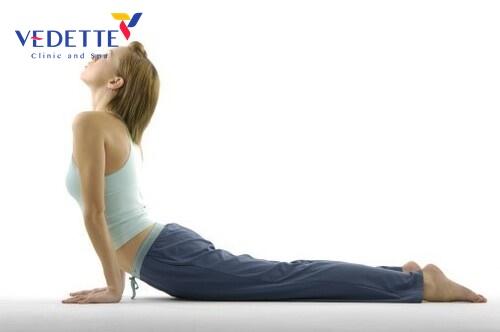 bai tap yoga giam mo bung sau sinh mo 2