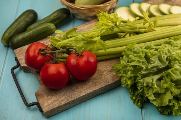 giảm béo với cần tây cà chua
